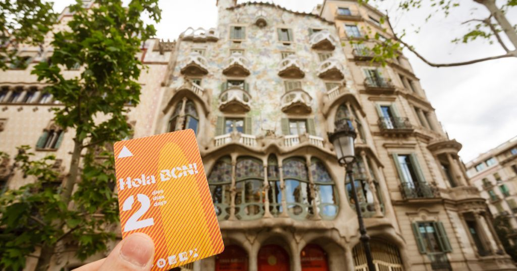 Hola BCN: 48, 72, 96 or 120-Hour Public Transport Ticket